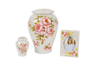 Metalcraft_Cremation_CeramicUrns_RoseBouquet